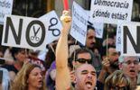 Les Indignés se recrutent désormais dans toutes les catégories de la ppopulation, face aux divers plans d'austérité