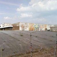 L'ancien bâtiment Conforama : un chancre qui disparaîtra bientôt du paysage de la gare de Charleroi